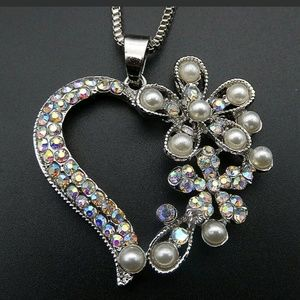 New Betesy Johnson Pearl/AB heart necklace
